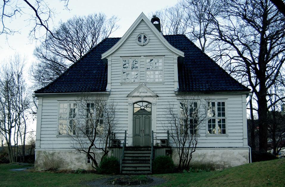 Frydenlund lyststedet в городе Берген был построен в 1700 годах, отреставрирован в промежутке с 1949 по 1951 год.